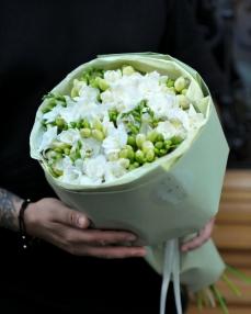 Bouquet 25 white freesias