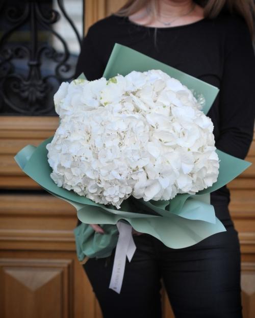 Buchet 5 hortensii albe