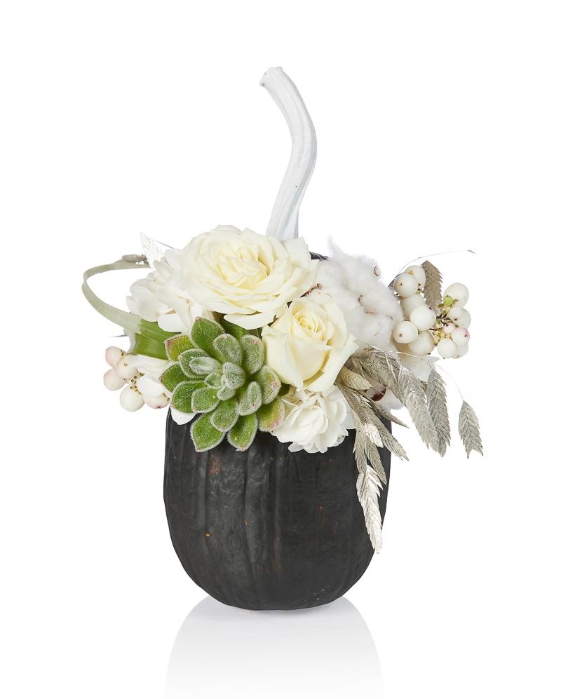 Aranjament floral Negru si alb